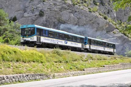 Train des pignes Automotrices Ligne de Nice à Digne